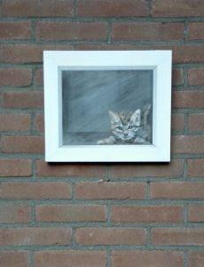 kat kitten poes schilderij tuin buiten muur